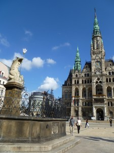 Reichenberg - Rathaus und Brunnen