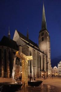 Marktplatz in Pilsen bei Nacht