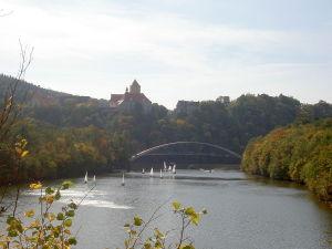 Talsperre und Burg