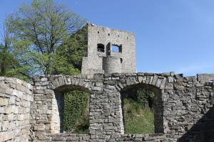 Die Burgruine Hukvaldy - Hochwald